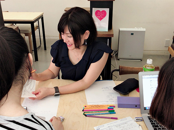 女性専用学習塾シードハウス横浜東口ブルーコンパス校たくさんのロールモデルにであえるじっくりキャリアを構築できる